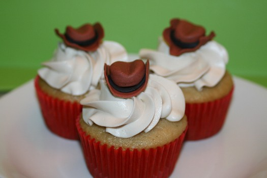 How to make gum paste cowboy hat cupcake toppers