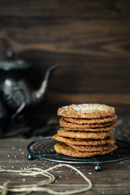 Super Thin and Crispy Coconut Cookies