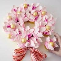Wreath_Hand