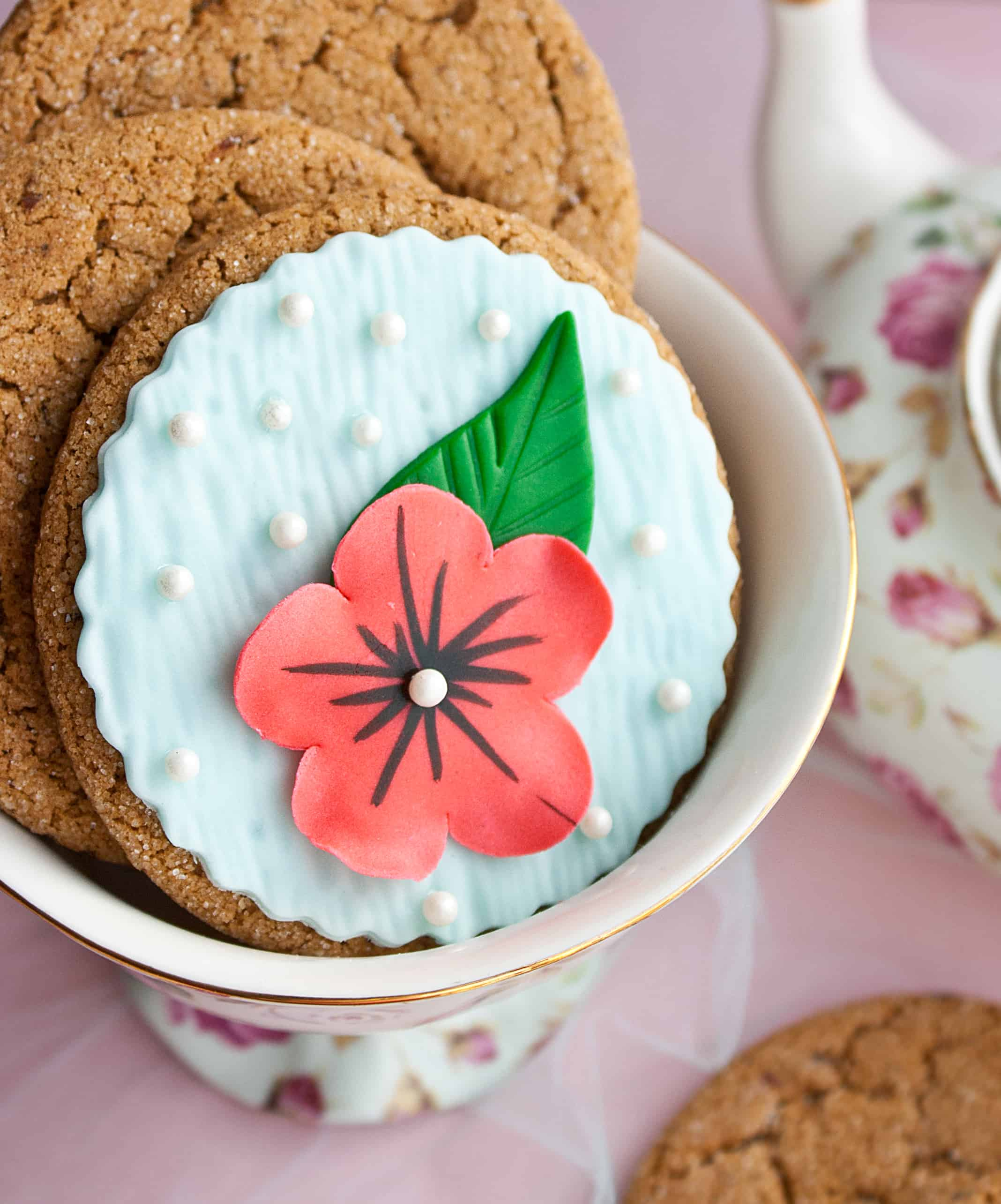 elegant flower cookies