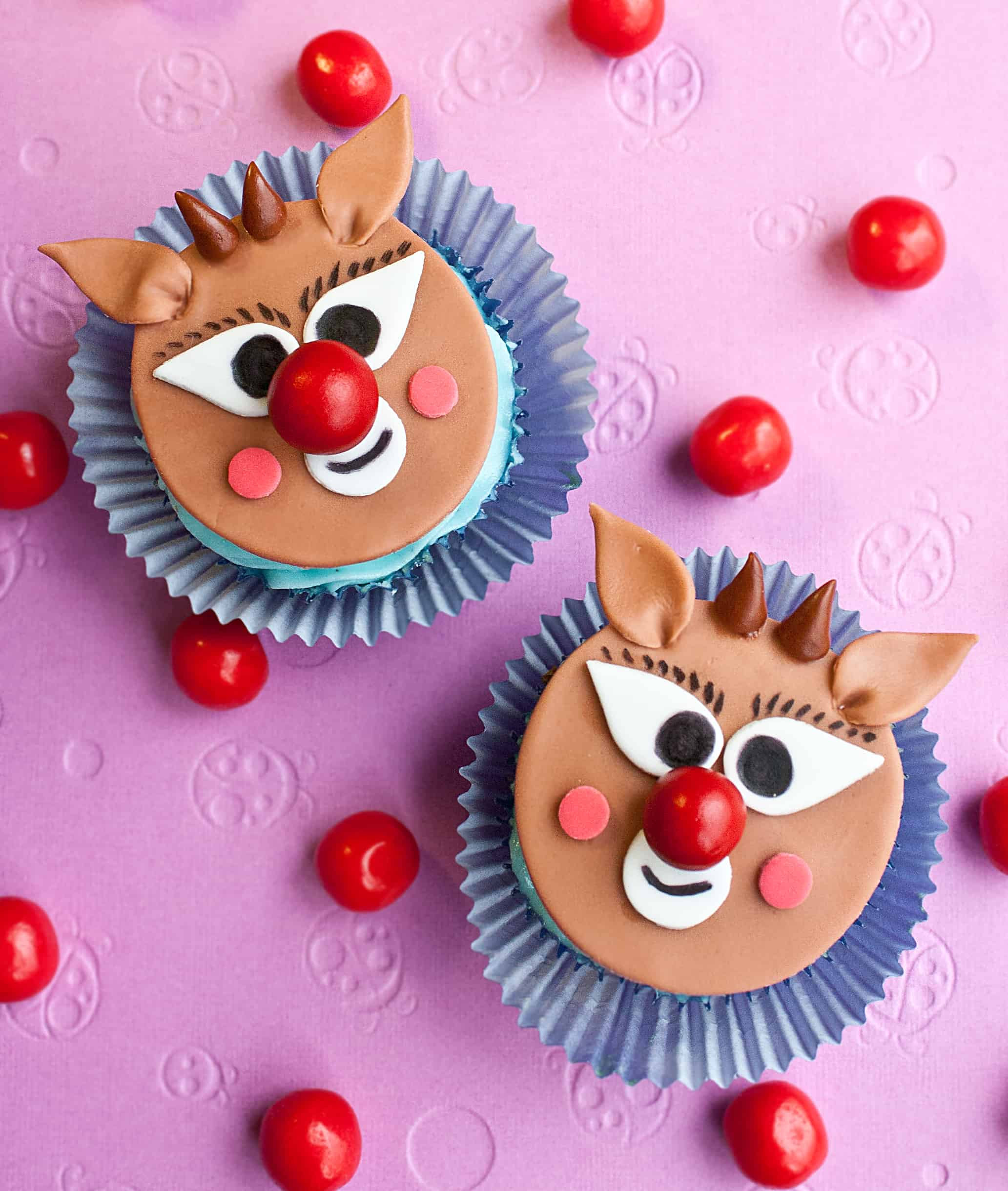 Video: How to make Rudolph cupcake toppers