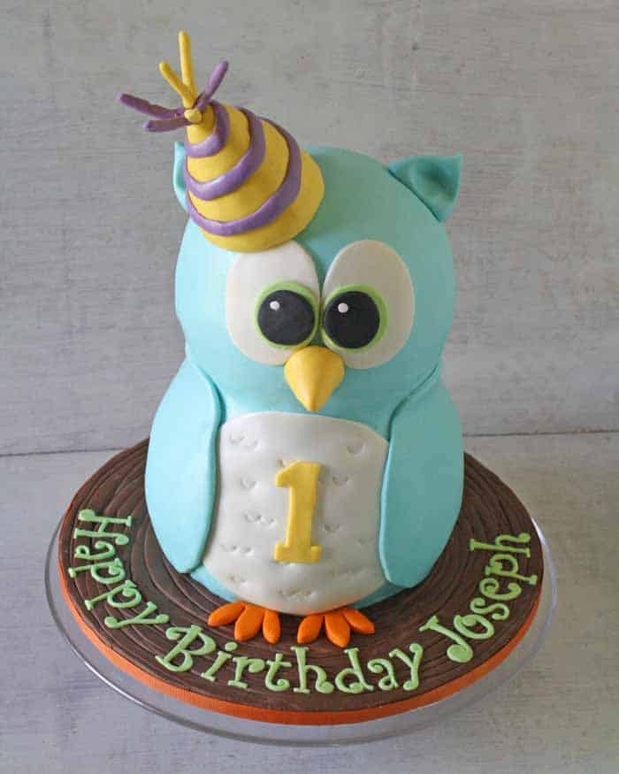Part 1 How to Make a Standing Owl Cake CakeJournalcom