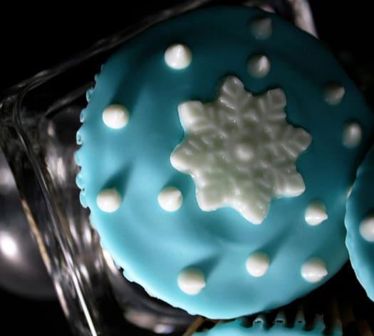 snowflake cupcakes 2