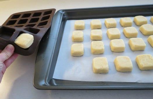 How to make Minecraft Creeper Cake Pops CakeJournalcom