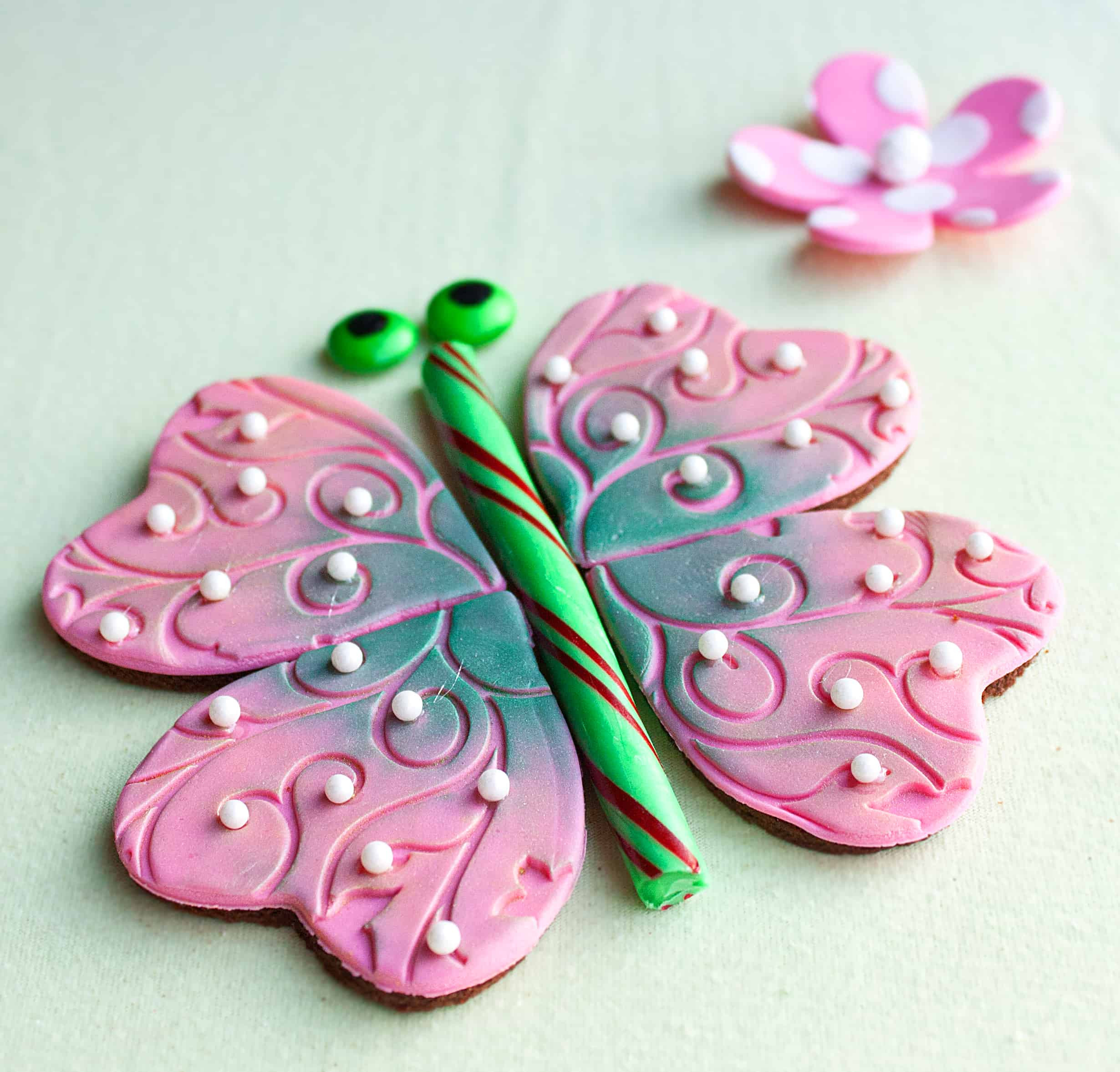 edible butterfly puzzle decoration