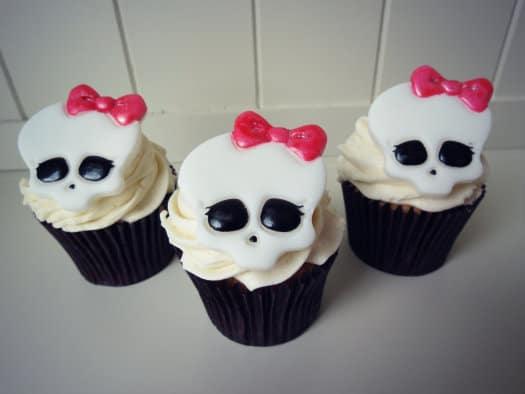 Monster High Skull Cupcake Cake