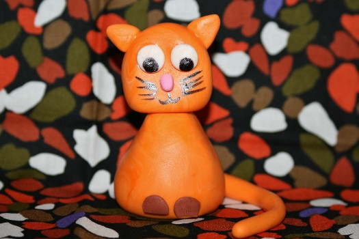 How to make a simple cat cake topper
