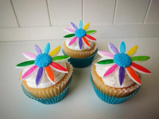 daisy scout cupcakes