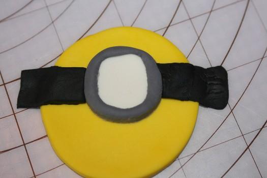 minion cupcake  (16) (525x350)