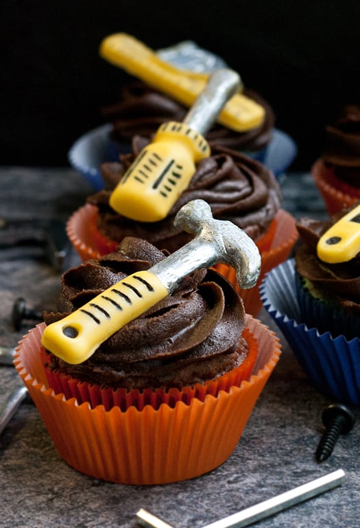 manly tools cupcakes 7