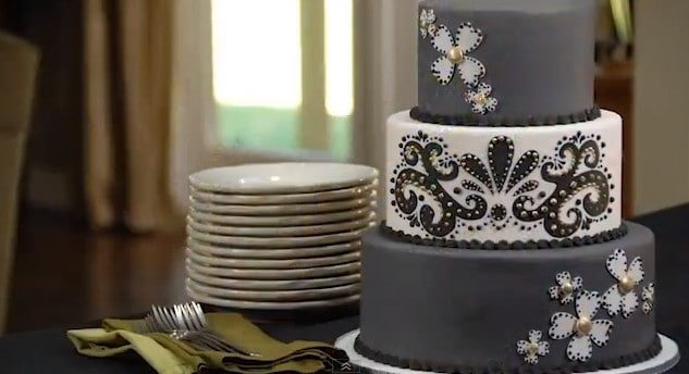 Modern Piping cake 2