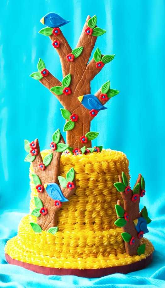 cake with tree cake topper