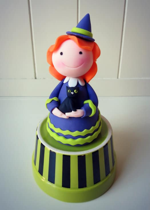 How to make a witch cake topper