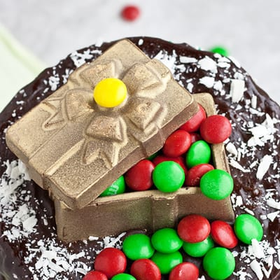 How to Make a Chocolate Gift Box Topper