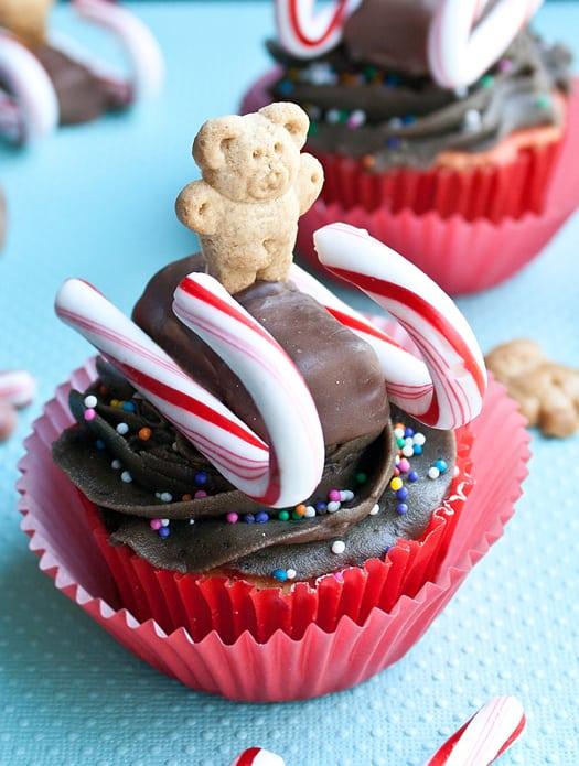 teddy sled cupcakes 5