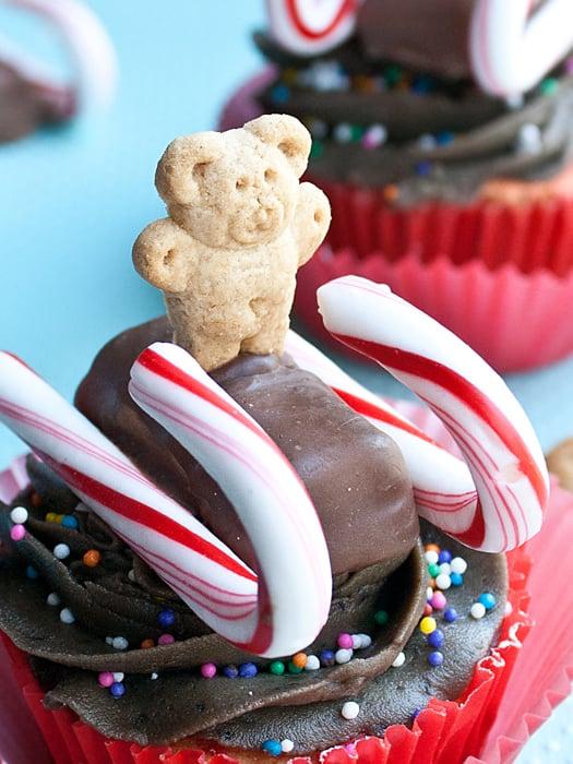 teddy sled cupcakes 6