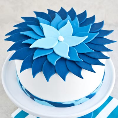 How to Make a Blue Ombre Flower Cake
