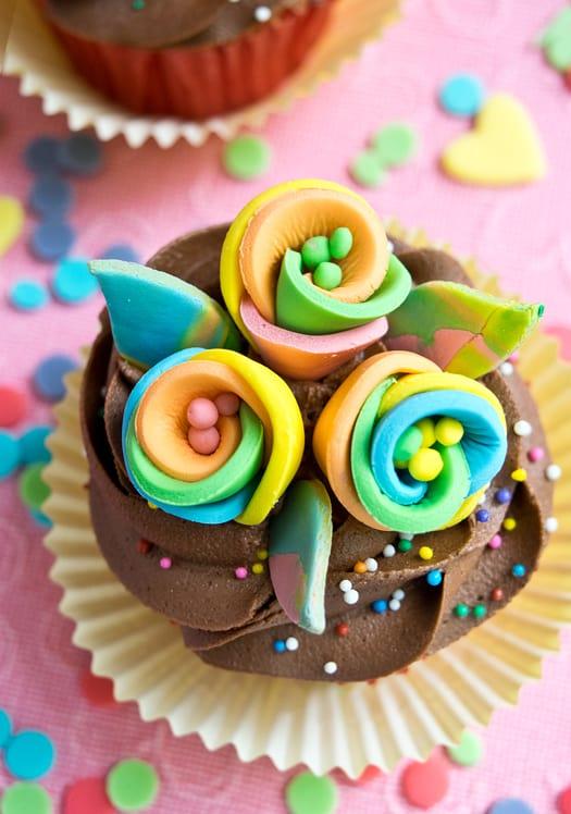 rainbow flower cupcakes