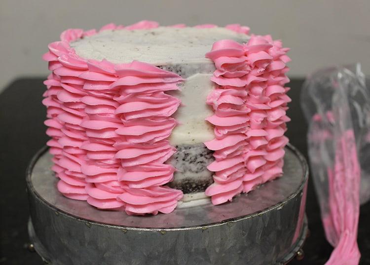 How to Make Buttercream Shells Cake 05