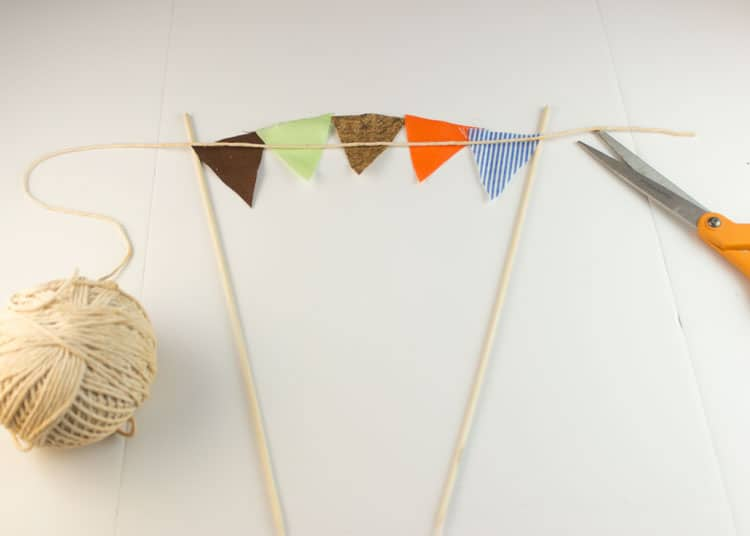 How-to-Make-Bunting-for-Cake-07