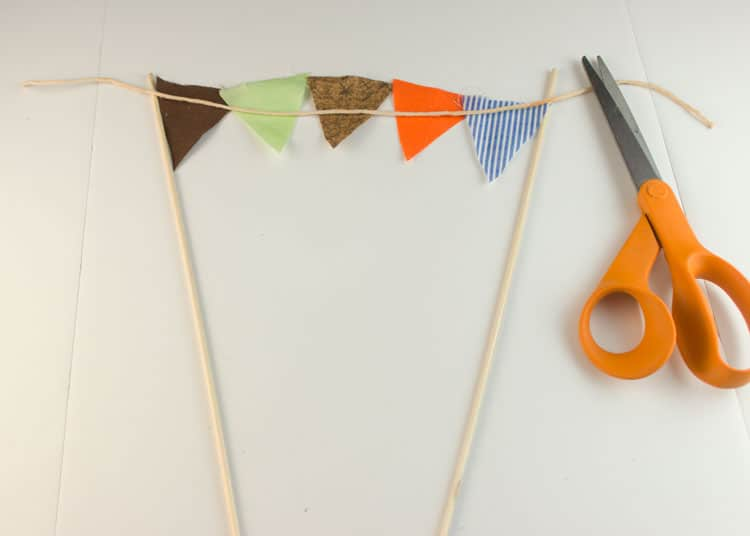 How-to-Make-Bunting-for-Cake-08