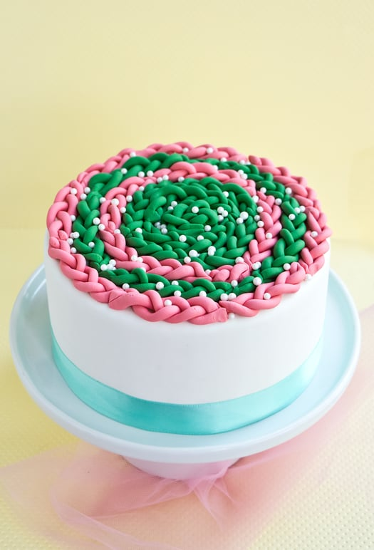 how to decorate a cake with fondant braids 1