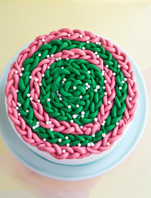 how to decorate a cake with fondant braids 2