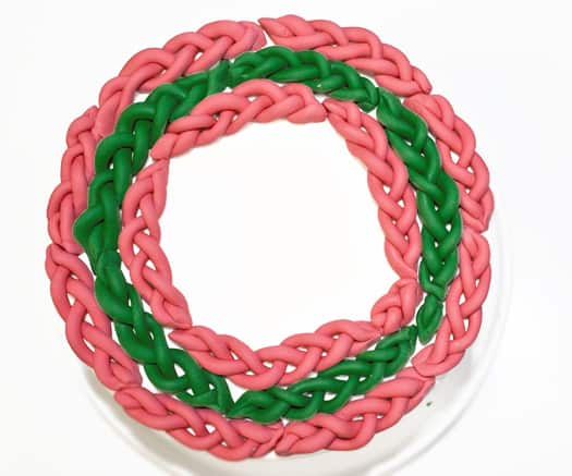 how to decorate a cake with fondant braids 5