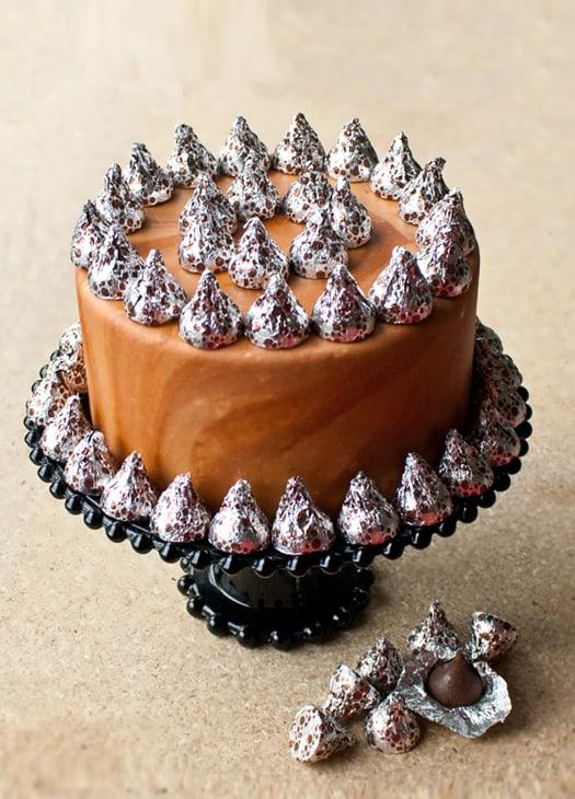 marbled fondant cake