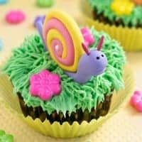 snail cupcakes featured image