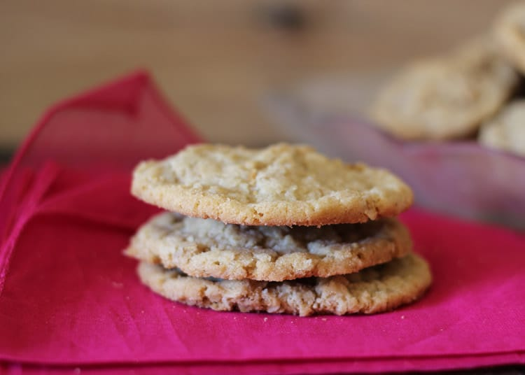 Oatmeal-Pecan-Crispies-Recipe