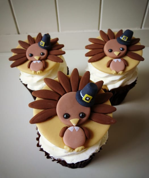 How to Make Cute Turkey Cupcake Toppers