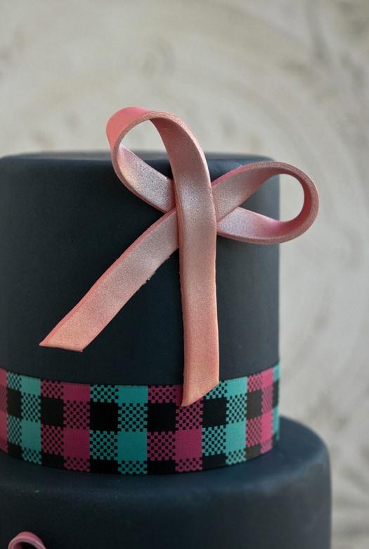 pink bow cake 2