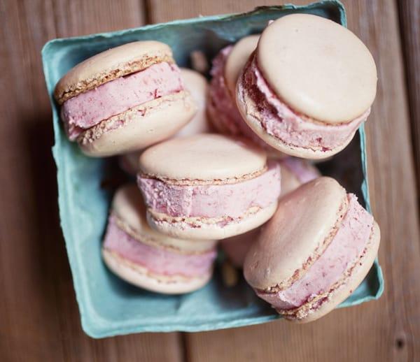 Pink macarons (1)