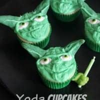 Yoda-Cupcakes-Tutorial-Star-Wars-689x1024