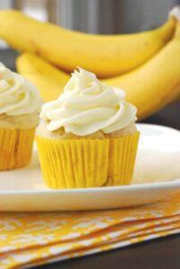 banana-cupcakes-687x1024