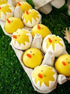hatching-chicks-farm-birthday-barnyard-cake-pops-animals-printables-tutorial5