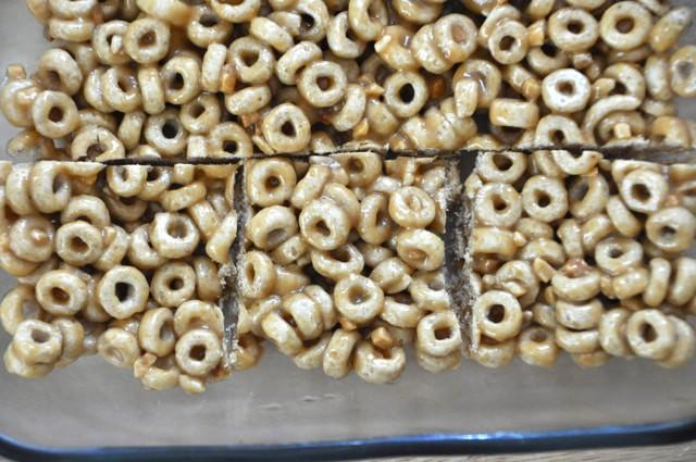 No Bake Cereal Bars • CakeJournal.com