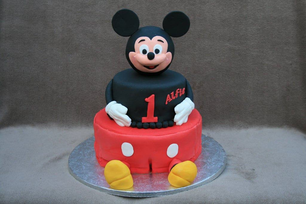 Our Favorite Mickey Mouse Cakes • CakeJournal com