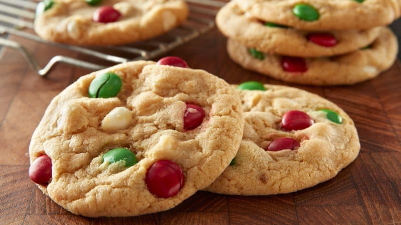 How To Bake A Sheet Pan Cookie Cake – Ingredients And Instructions