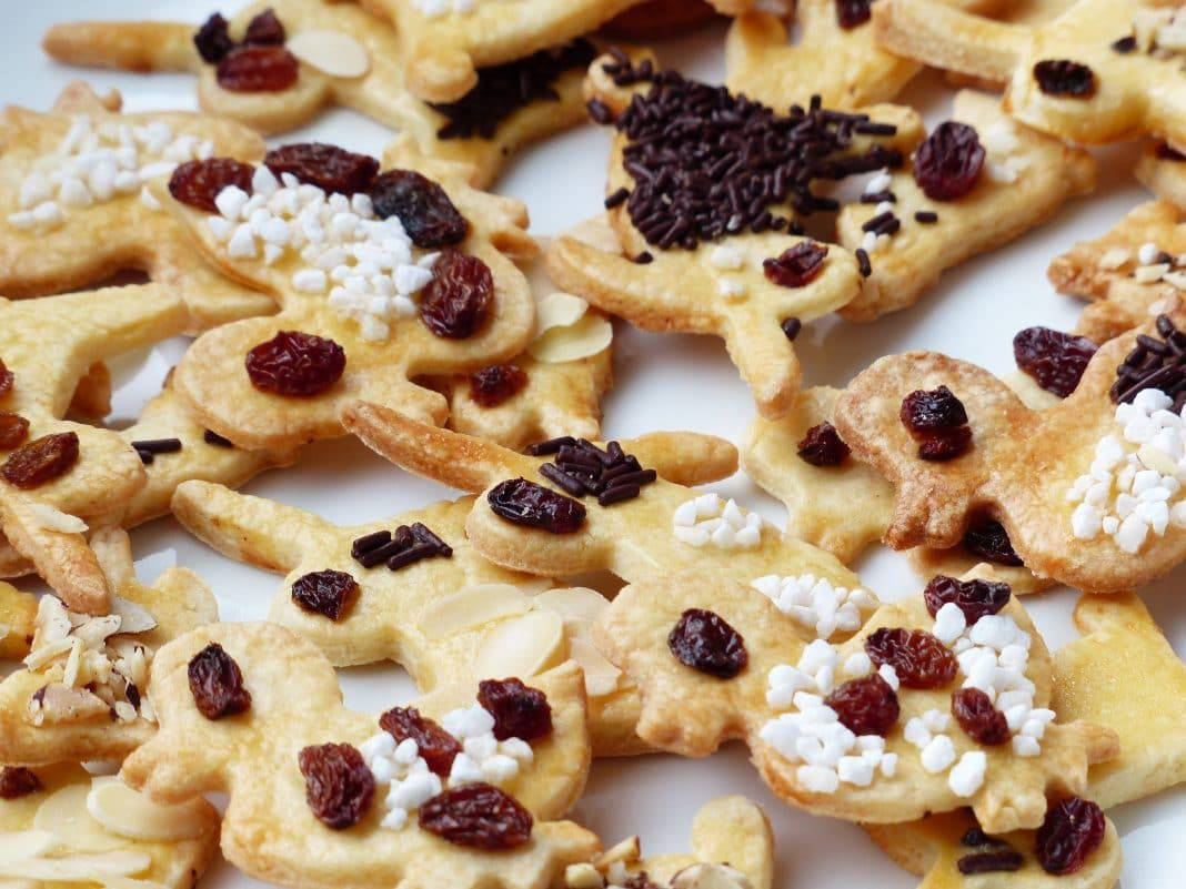 Cookies with raisins and sprinkles