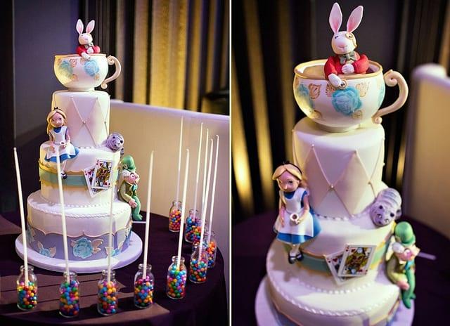 White Rabbit Cake of Alice In Woderland